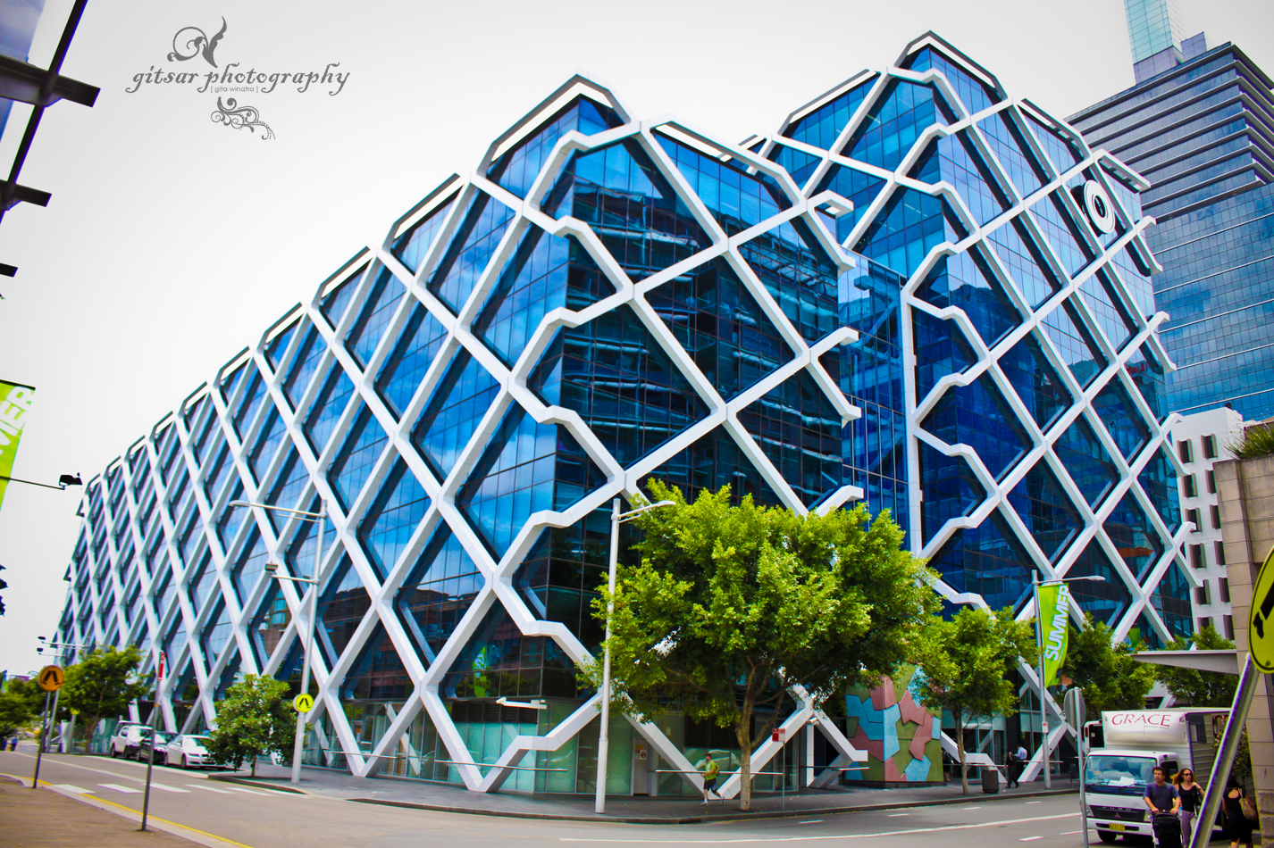 Gallery of Macquarie Bank / Clive Wilkinson Architects - 8